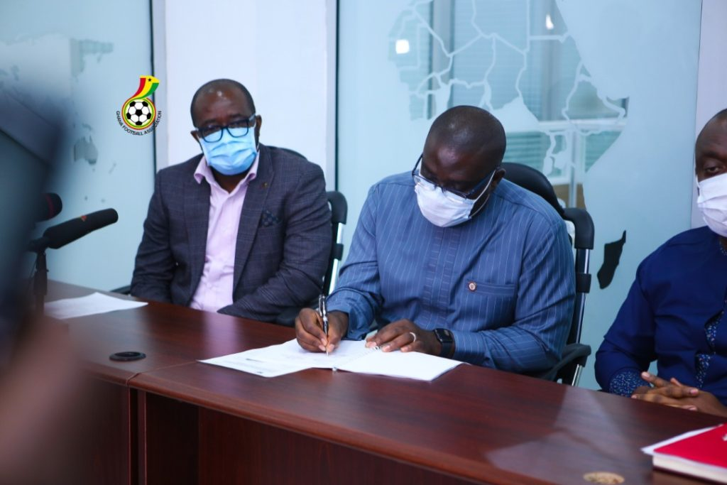 GFA-and-YEA-sign-MoU-for-Womens-Premier-League2-1024x683