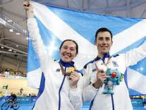 2018 Commonwealth Games: Scotland's Katie Archibald wins gold; brother John takes silver