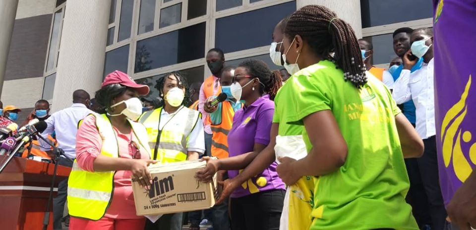 One on One Foundation Commends Unilever For Donating To Sanitation Ministry